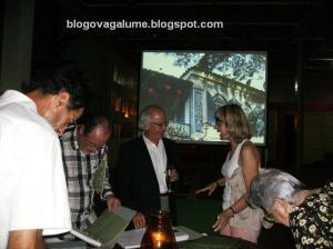 Plínio recebendo convidados e apresentando o livro